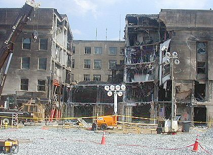 http://renovation.pentagon.mil/IMAGES/Phoenix/crashsite_20010923_facade3_web.jpg
