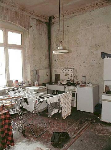 arbeiterfotografie lebst du noch oder wohnst du schon wohnen in deutschland. Black Bedroom Furniture Sets. Home Design Ideas